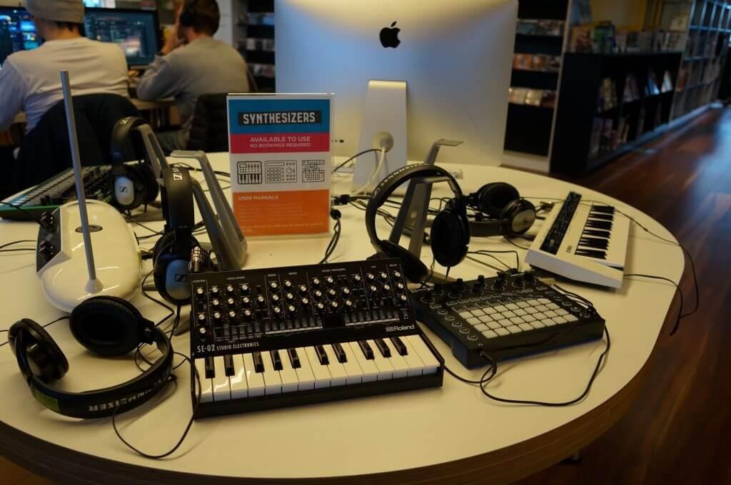 たくさんの音楽機材