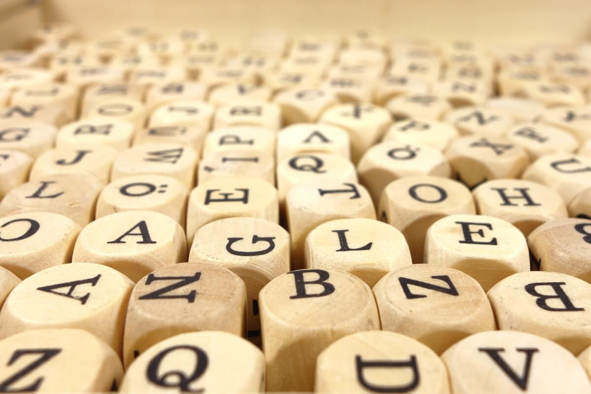 アルファベットのダイス